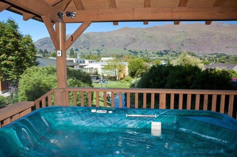 Wanaka Springs - Hotel - 1