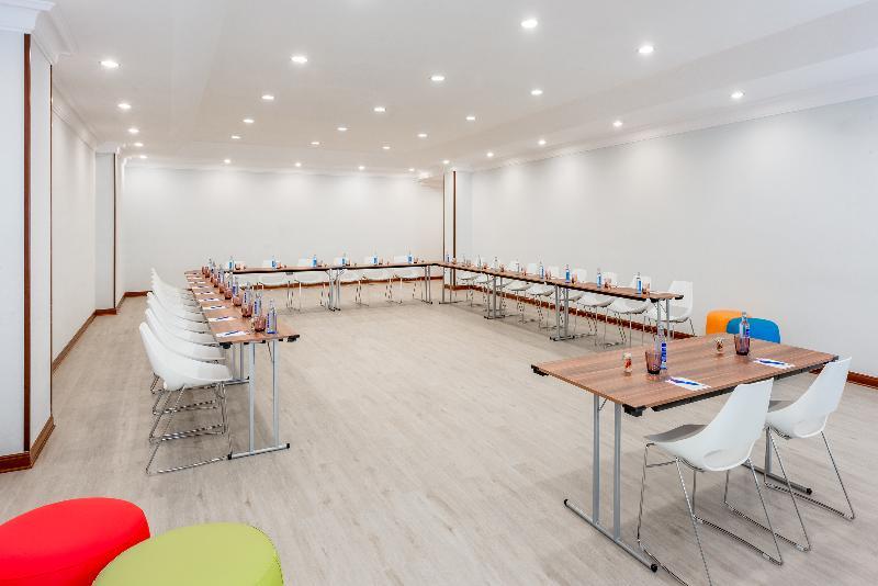 Conferences Tryp Santiago Hotel