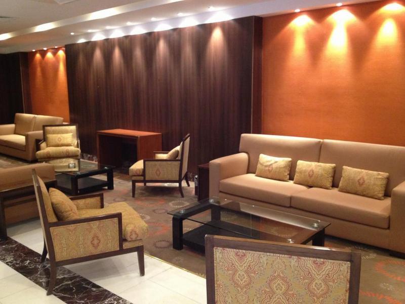 Lobby Ajyad Crom Hotel