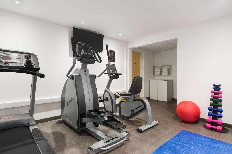 Sports and Entertainment Ramada South Mimms M25