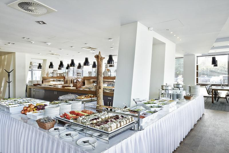 Restaurant Marine Hotel By Zdrojowa