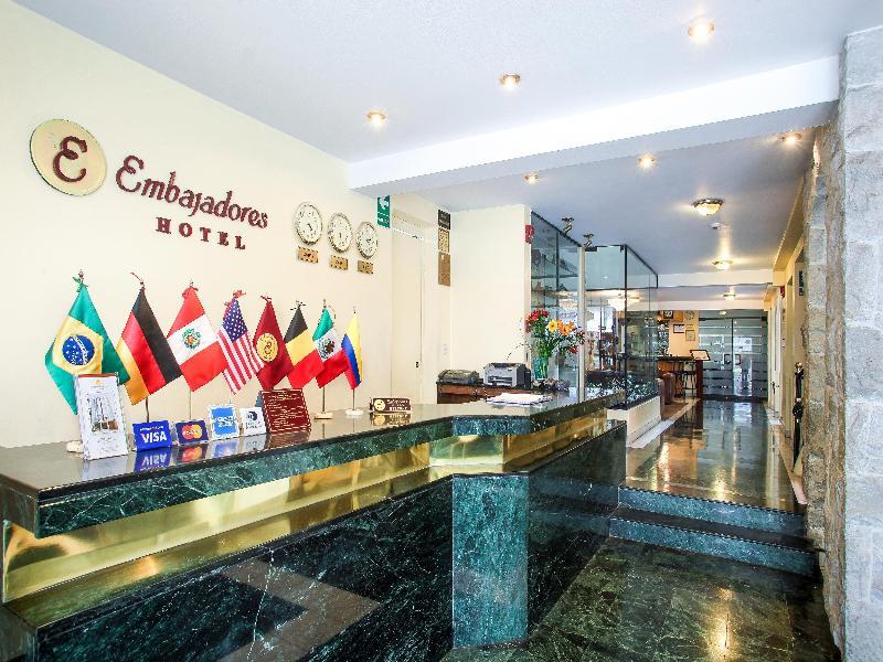 Lobby Embajadores Hotel