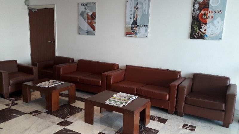 Lobby Caspia Hotel New Delhi Shalimar Bagh