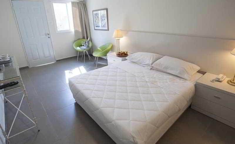 Room Q-hotel Poleg Beach
