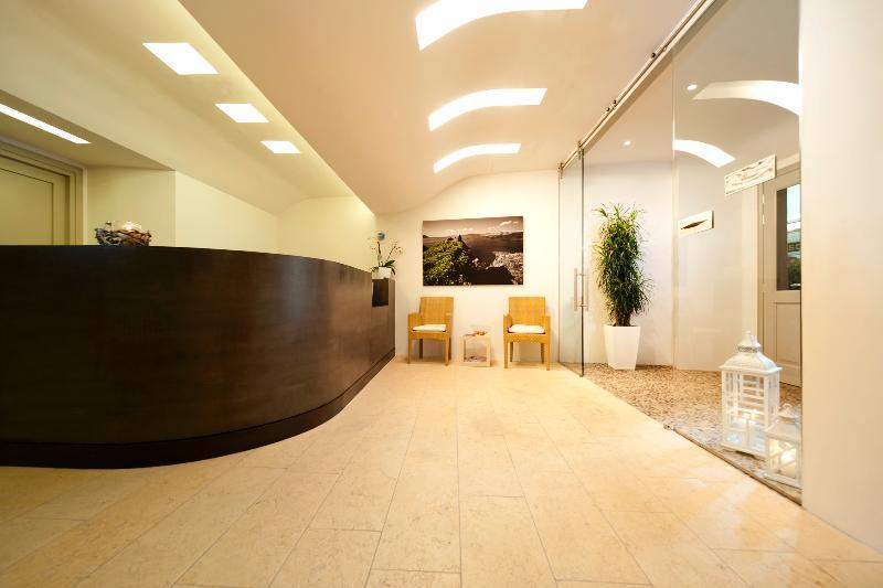 Lobby Panorama Studio & Suites