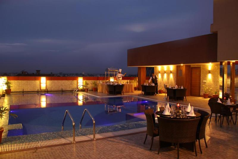 Clarks Inn Amritsar - Pool - 2