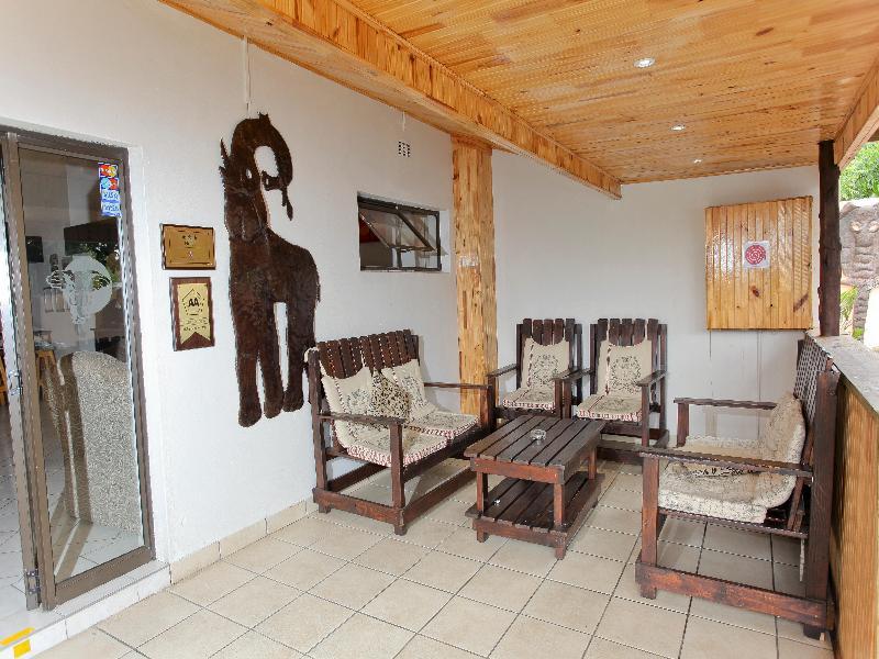 Terrace Elephant Lake Inn