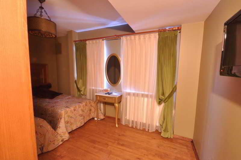 Merial Hotel - Room - 9