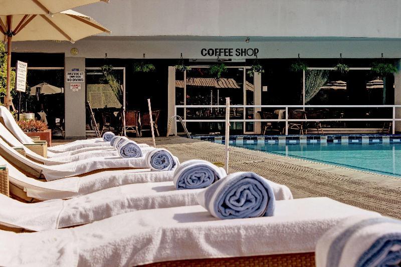 Best Western Resort Country Club - Pool - 1