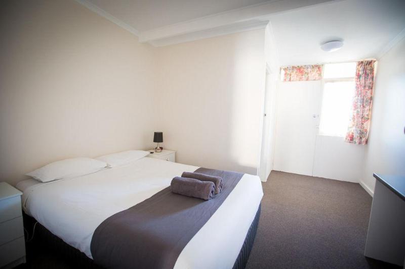 Best Western Abel Tasman Airport Motor Inn - Hotel - 2