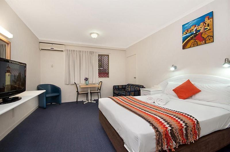 Cluden Park Motor Inn - Hotel - 2