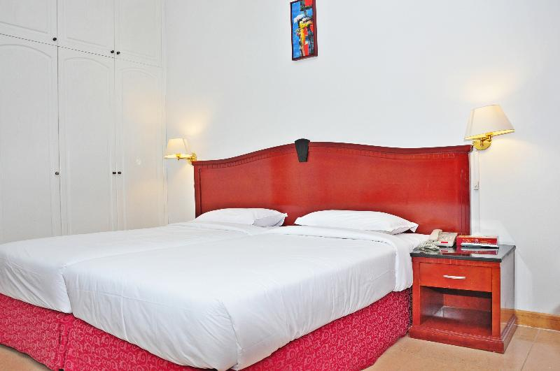 Room Ramee Garden Hotel Apartments Auh