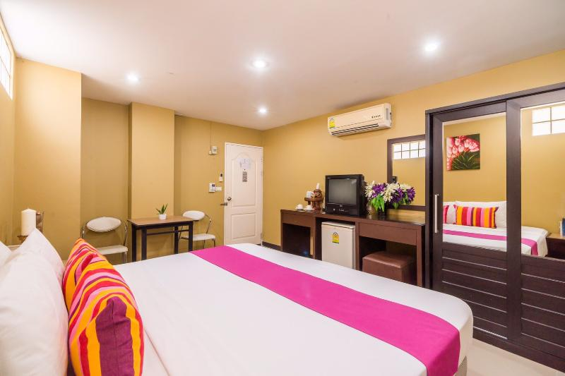 Tonaor Place Bangkok - Room - 6