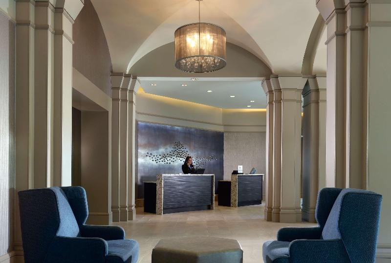 Lobby Hilton Atlanta Northeast