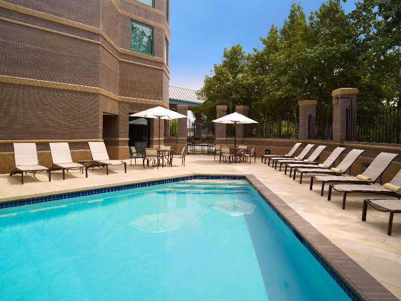 Pool Hilton Atlanta Northeast
