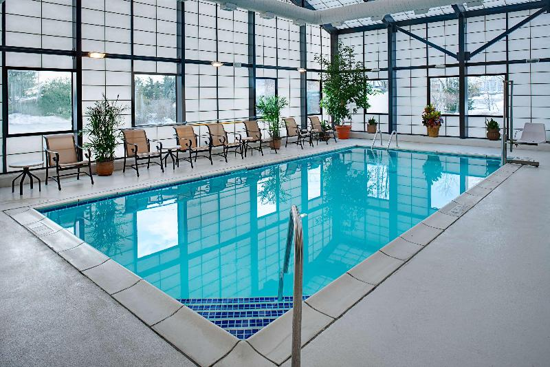 Pool Hampton Inn Long Island Islandia
