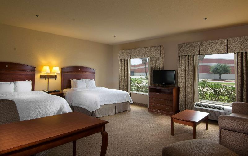 Room Hampton Inn And Suites Brownsville