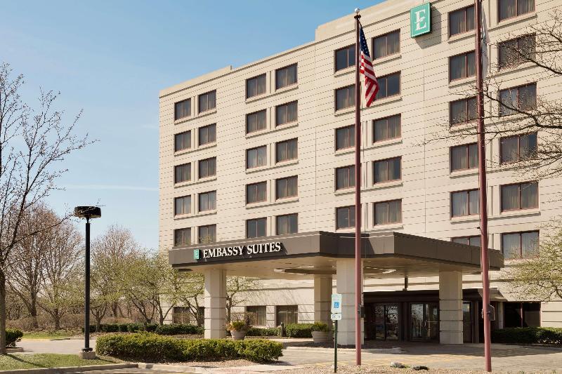 General view Embassy Suites Chicago North Shore Deerfield