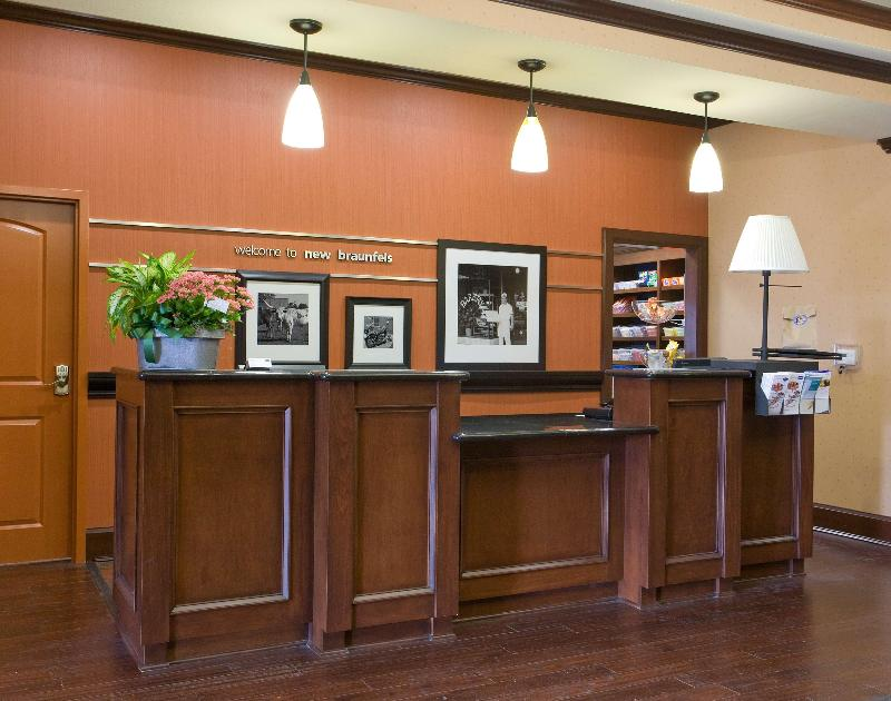 Lobby Hampton Inn & Suites New Braunfels