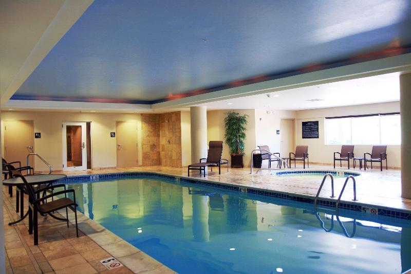Pool Hampton Inn & Suites Wells-ogunquit