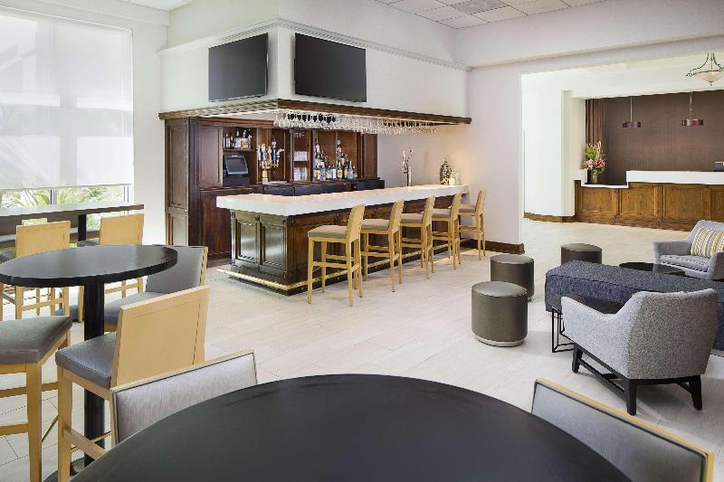 Bar Doubletree By Hilton Hotel Los Angeles Commerce