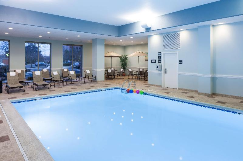 Pool Hampton Inn & Suites Chicago North Shore Skokie