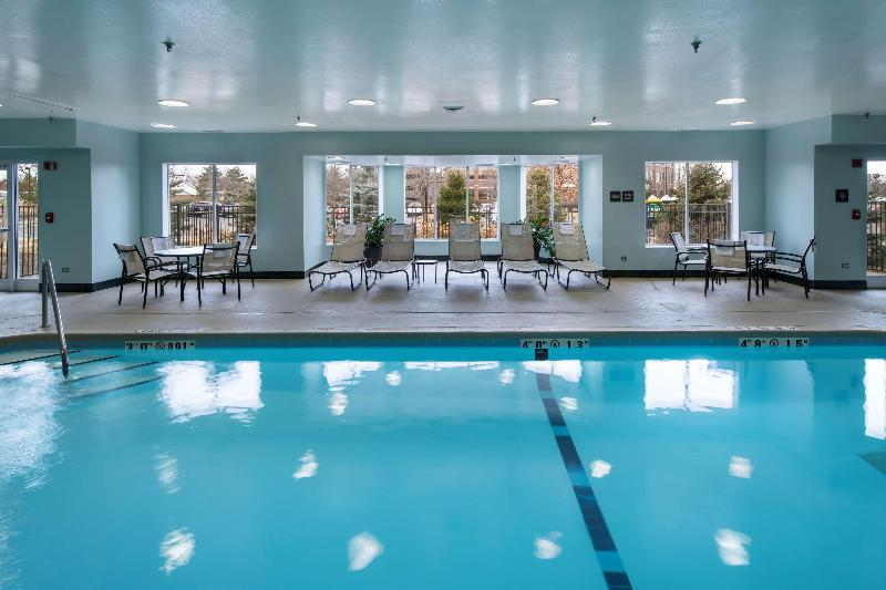Pool Hampton Inn & Suites Chicago Lincolnshire