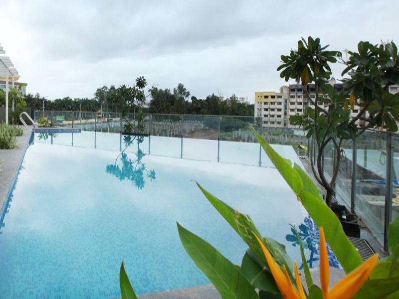 Pool Noorya Hometel Pune