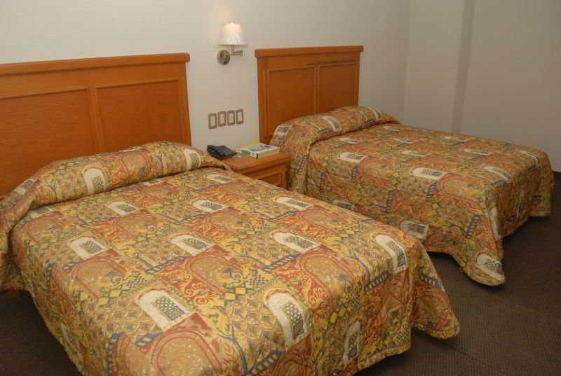 Room Gran Via
