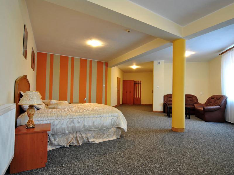 Room Ekwos