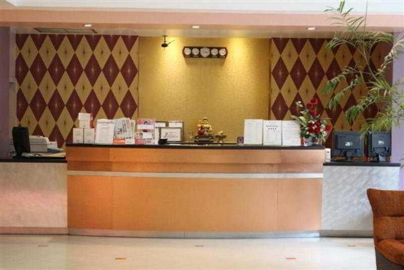 Lobby Ratchada Resort & Spa