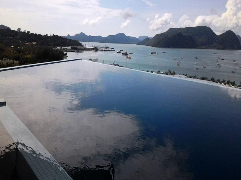 Pool My Hotel