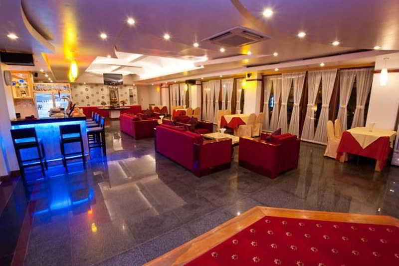 Ohana Hotel - Bar - 3