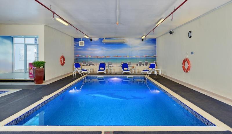 Pool Ramada Sharjah