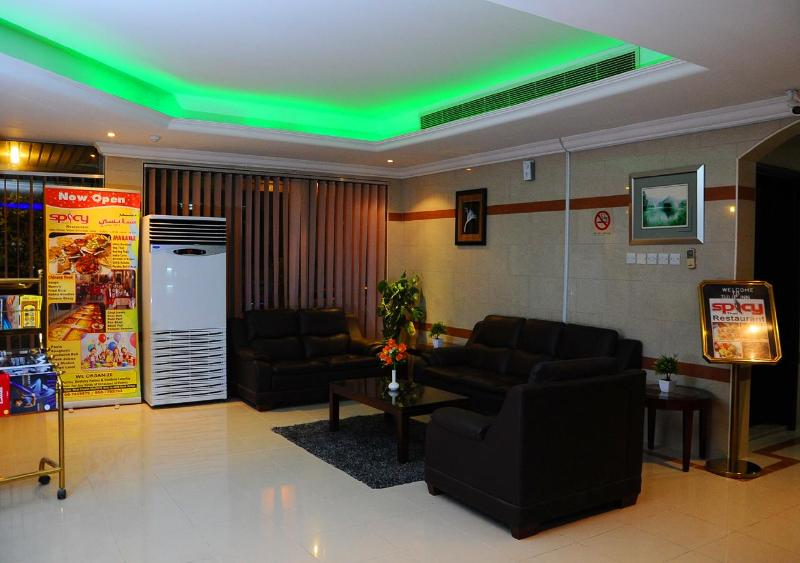 Tulip Inn Royal Suites Ajman - Terrace - 8