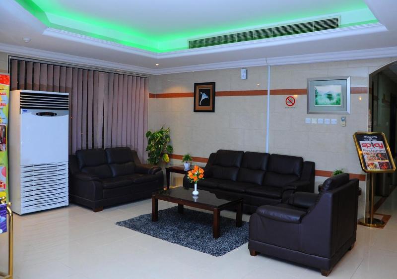 Tulip Inn Royal Suites Ajman - Terrace - 7