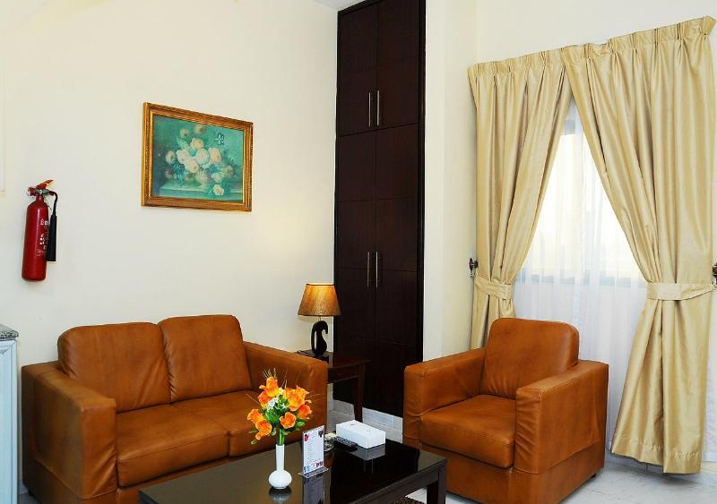 Tulip Inn Royal Suites Ajman - Room - 5