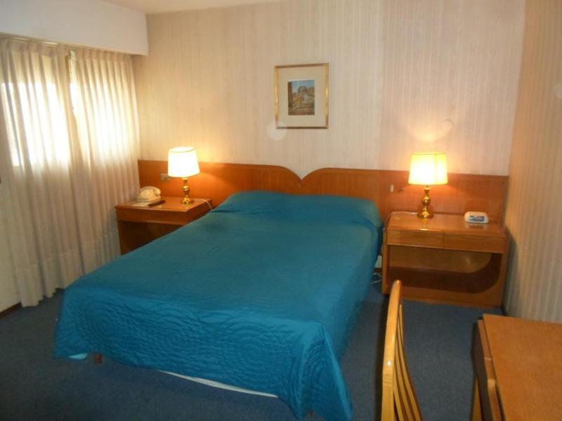 Plaza Hotel - Hotel - 2