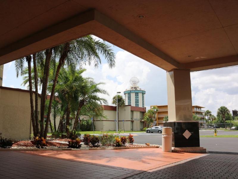 General view I-drive Grand Resort & Suites