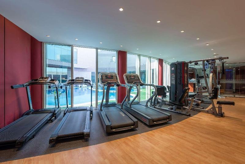 Ramada Hotel & Suites - Sport - 5