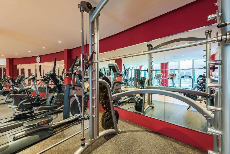 Ramada Hotel & Suites - Sport - 16