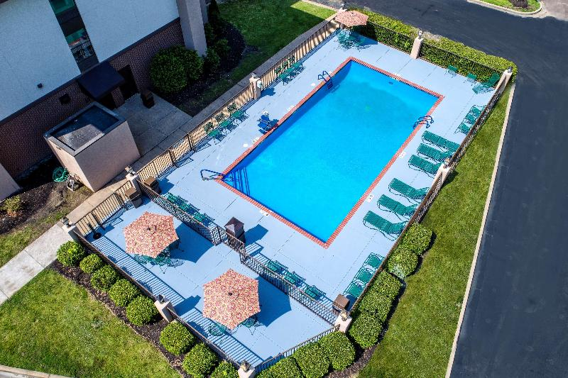 Pool Hampton Inn Batesville
