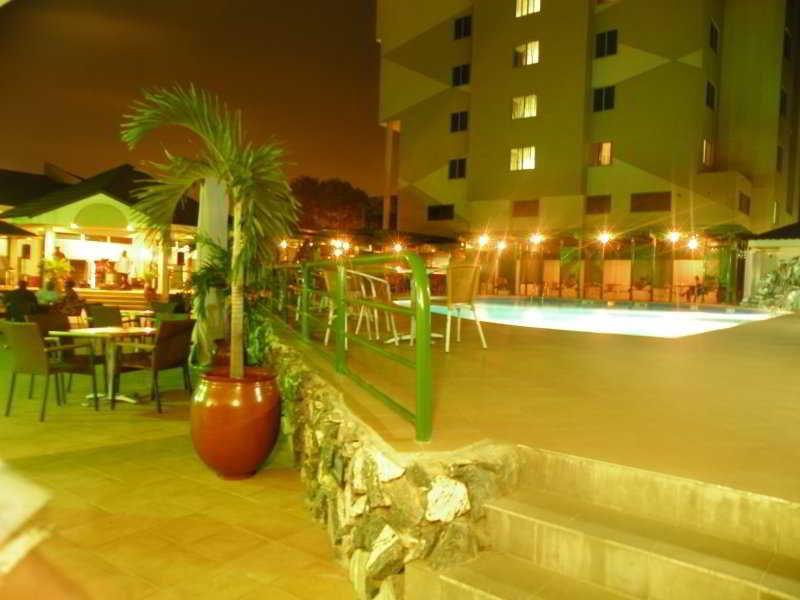 Pool Alisa Hotel