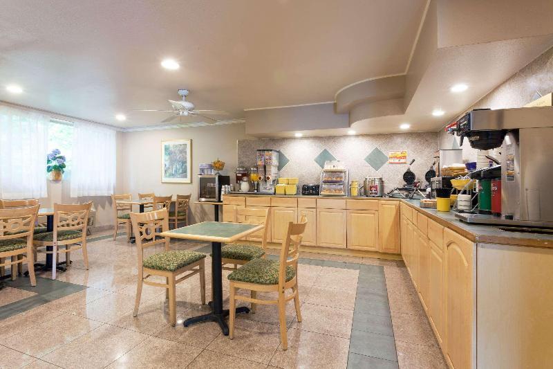 Days Inn Setac Airport - Hotel - 1