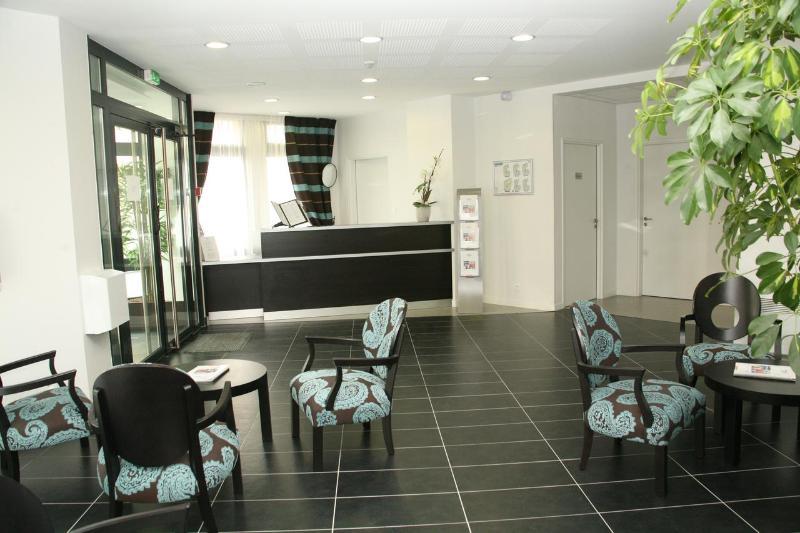 hotel nemea appart 39 hotel nancy nancy hotelnights. Black Bedroom Furniture Sets. Home Design Ideas