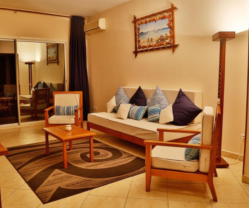 Royal Beach - Hotel - 2