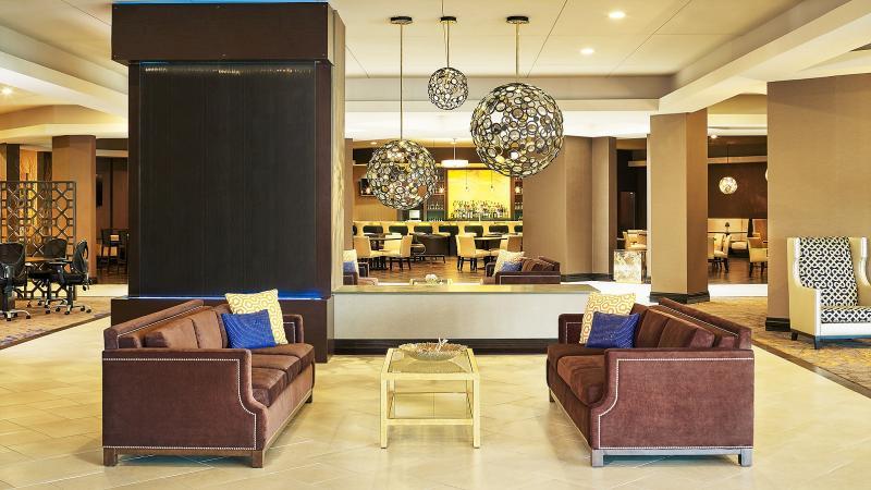 Lobby Sheraton Hotel Lisle