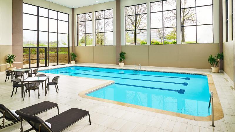 Pool Sheraton Hotel Lisle