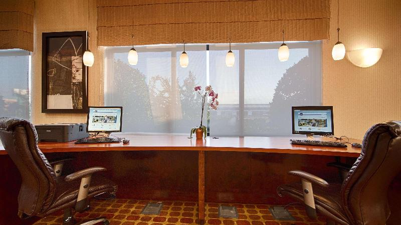 Conferences Best Western Plus Castlerock Inn & Suites