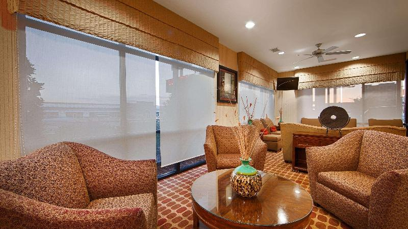 Lobby Best Western Plus Castlerock Inn & Suites